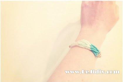 简单又漂亮的串珠手链手工制作 -
