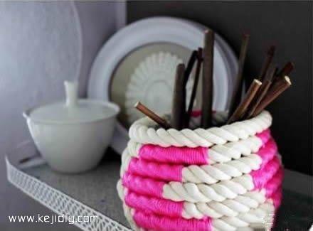 简单自制笔筒 粗绳制作笔筒的方法- www.kejidiy.com