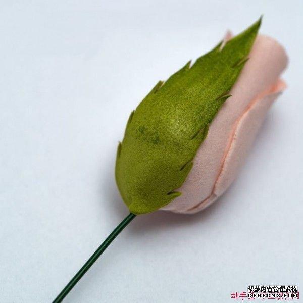 DIY海绵纸玫瑰花苞手工制作教程图解 243 600x600