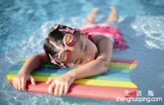 <b>学游泳必知的技巧 如何快速学游泳</b>