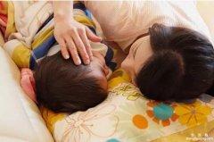 教妈妈哄睡时怎样培养教育孩子的妙招