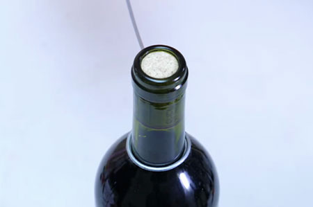 开红酒没有开瓶器怎么办