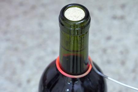 没有开瓶器怎么开红酒